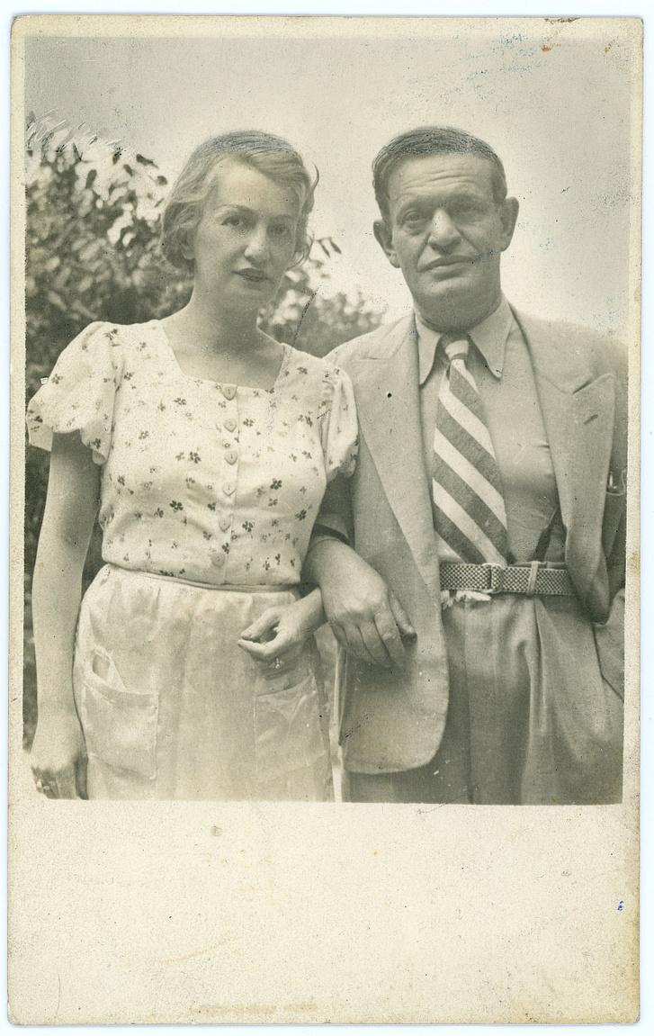 Rozsnyai Polette írónővel 1937-ben.