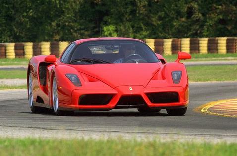 Ferrari-Enzo-214101021384811600x1060