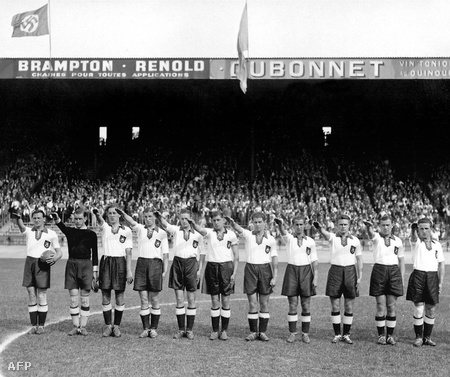 A német csapat a párizsi Parc des Princes stadionban