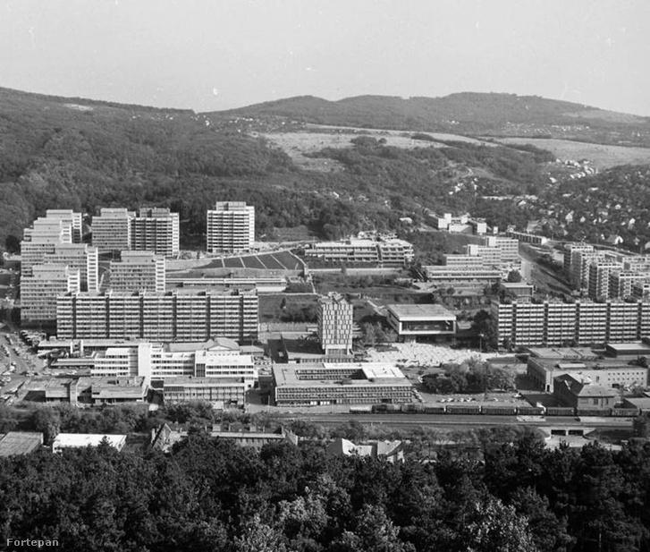 A salgótarjáni városközpont részlete a főtérrel, 1981