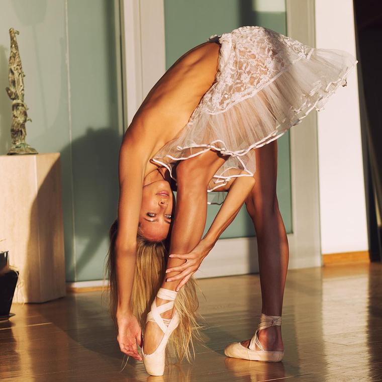 Jesse Golden Chicagóban nőtt fel, ahol édesanyja táncstúdiójában balerinaként kezdte kibontakoztatni tehetségét