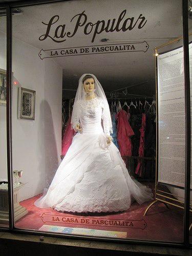 Pascuala Esparzának nagyon visszeres lehet a lába, hogy ennyit kell állnia.