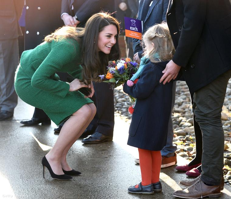 Hiszi vagy sem, de Kate Middleton ruházkodási szokásaiból már részletes statisztikák is készültek.