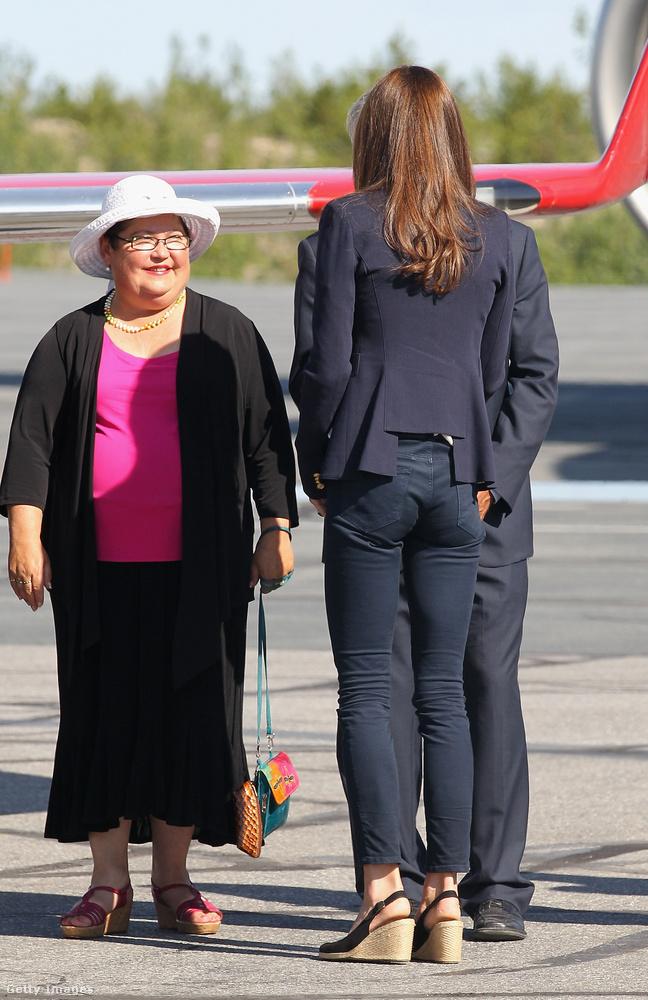 Az eset még 2012-ben, a hercegi pár franciaországi vakációja során történt, ahol Kate Middleton topless napozásra vetemedett.