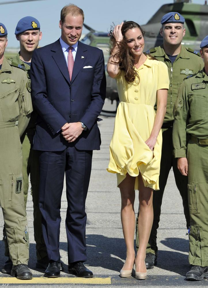 Pedig Kate Middletont a rövid ruhák és a szeszélyes időjárás veszélyes kombinációja miatt az évek során már számtalanszor érték kellemetlenségek.