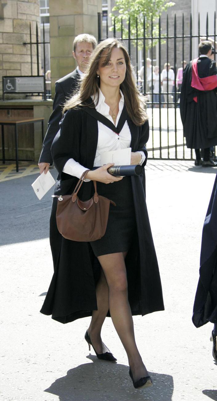 Middleton ebben az évben diplomázott a skót egyetem művészettörténet szakán - így nézett ki a diplomaosztóján.