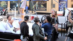 Heidi Klum nyilvános ágyjelenethez asszisztált