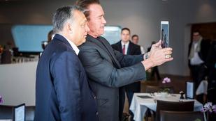A Terminátor Orbán Viktorral szelfizett
