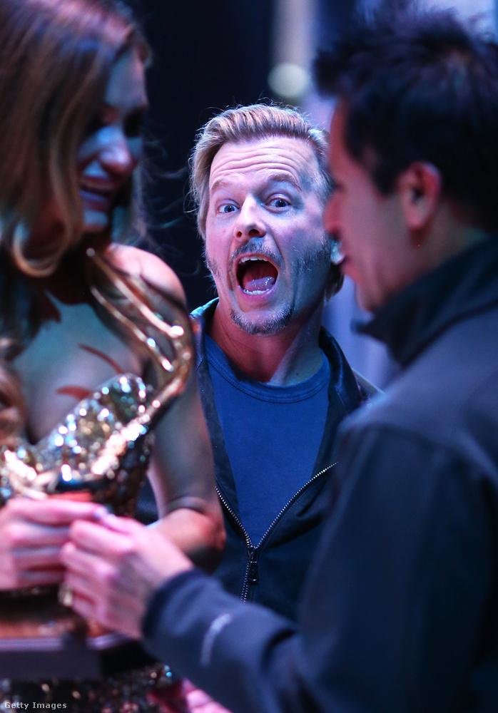 David Spade amerikai színész-komikus valószínűleg az utolsó pillanatban vette észre, hogy éppen egy fényképező ember áll vele szemben