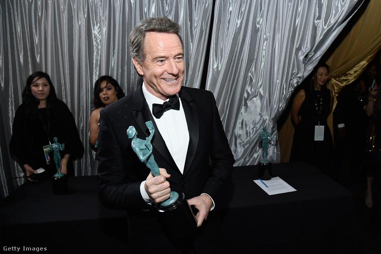 A véksőkig című törénelmi drámában szerepelt Bryan Cranston, őt is díjazták a legjobb színészként a tévéfilm kategóriában.