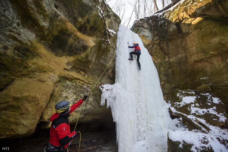 Szlovákia viszont a jégmászók paradicsoma, a Magas-Tátrában sok a megfagyott vízesés
