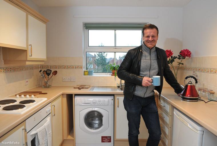 Persze, a lakást csak olyasvalaki kaphatja meg, akiknek más módon nincs esélye otthont teremteni
