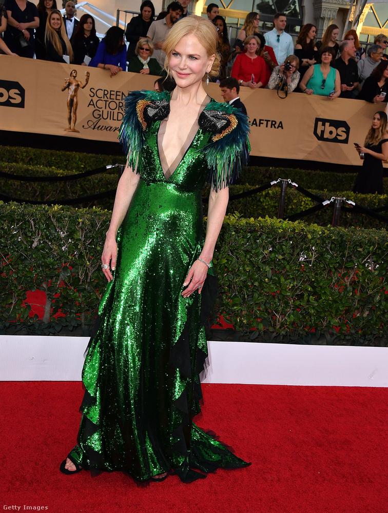 Hát ez meg Nicole Kidman egy Gucci-ruhában