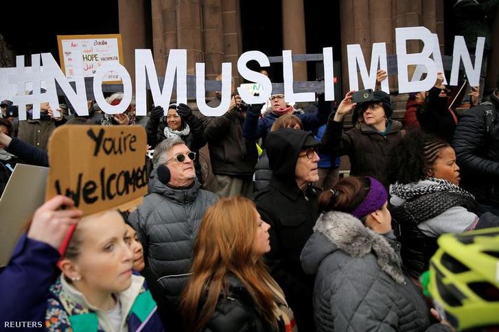 Tiltakozók Bostonban