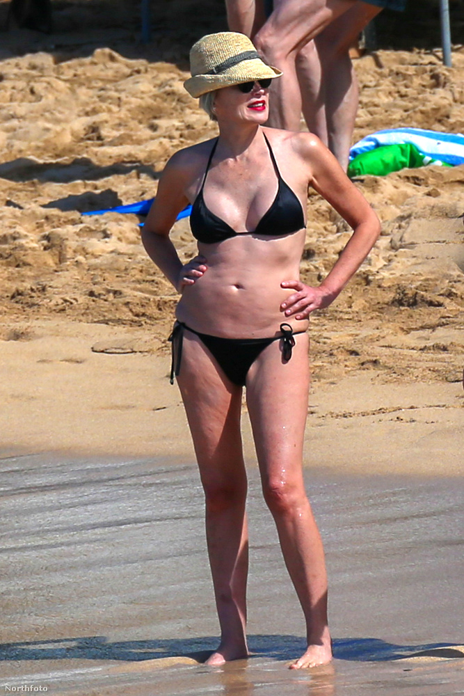 Megtekintheti, mennyit változott az 58 éves színésznő a legutóbbi bikinibemutatója óta