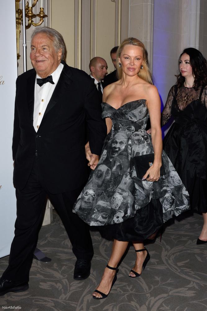 A napokban beszámoltunk róla, hogy Pamela Anderson gyomra alighanem felfordult a Sacre Coeur láttán, és inkább elvágyódott onnan.