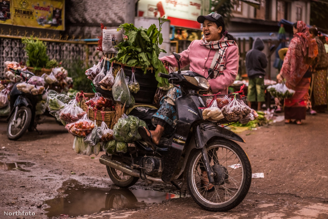 Mobil árus Hsipaw-ban