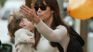 Jessica Biel kisfia komoly témáról diskurálhatott anyukájával