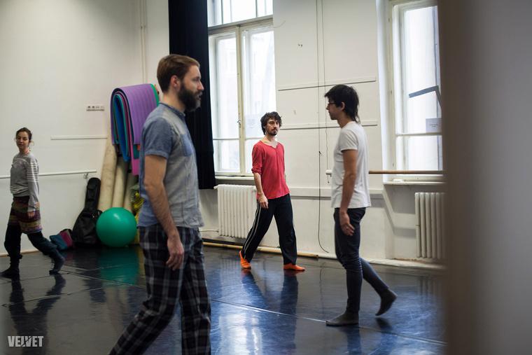"""""""A kontakt improvizáció szerintem az egyetlen műfaj a kortárs táncban, ahol sokszor több férfi van, mint nő"""