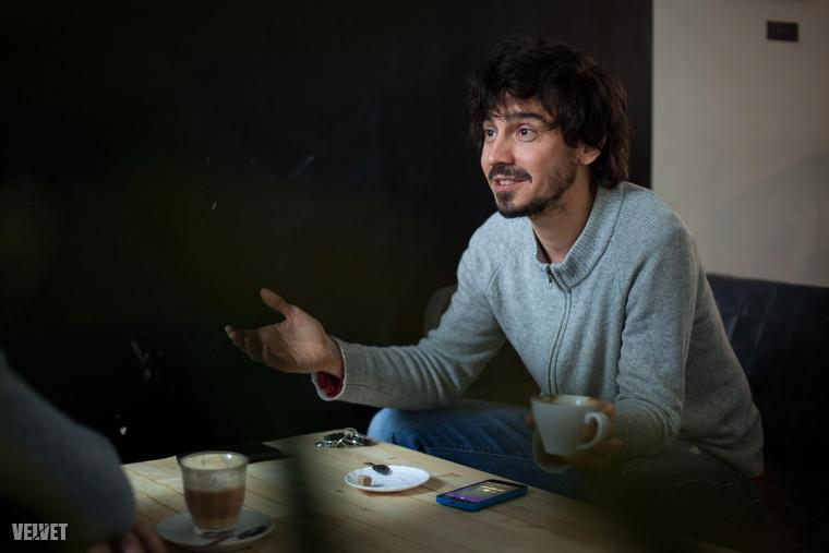 Ő Grégory Chevalier,37 éves, 12 éve él Magyarországon, táncos és táncoktató