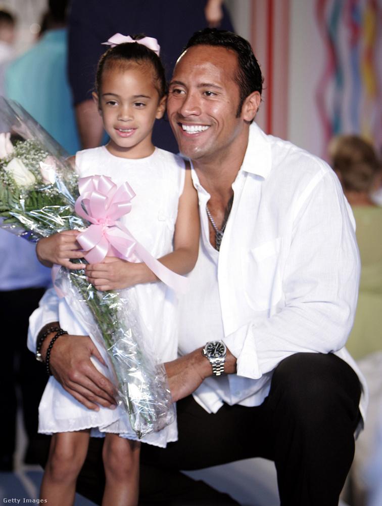 Dwayne Johnsonnak egy vágya volt: hogy remek apa legyen, hogy valami olyat adhasson a lányának, amit ő sose érezhetett.