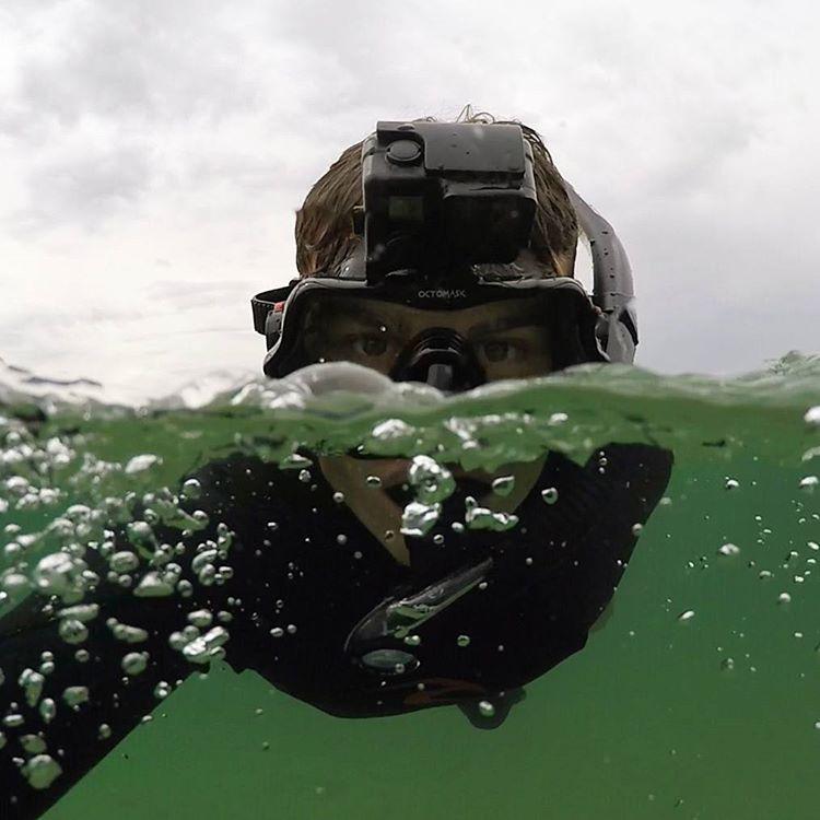 YouTube-videók segítségével toldotta meg a víz alatt töltött időt
