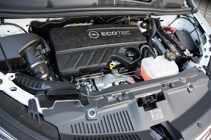 Az Opel olaszországi motorfejlesztő-központjában tervezték az új egyhatost - a szakemberek nagy része a Fiattól jött át. Értenek a dolgukhoz