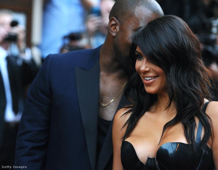 Kim Kardashiannek itt bizonyára egy jó könyvet ajánl férje, Kanye West.