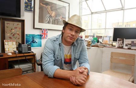 Jamie Olivernél megszokott a tűzriadó
