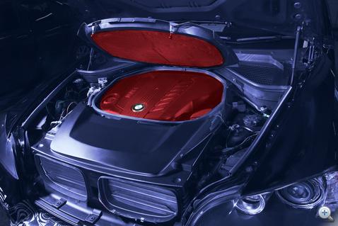 A BMW az egész motort termoszba zárja