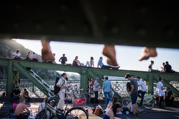 Fontos, hogy a gyalogosok mellett a bringások is felmehetnek a hídra.