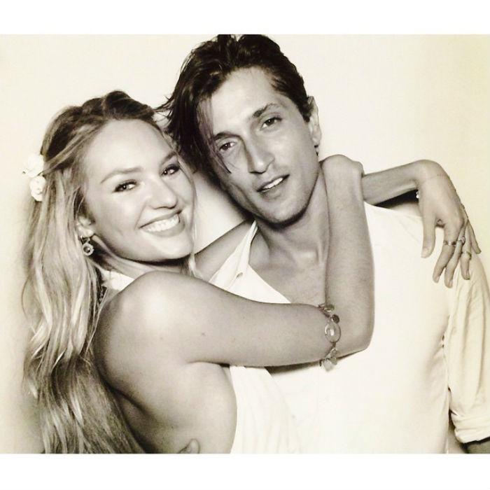 Ha esetleg jártas a férfidivatban, akkor Candice Swanepoel szereleme ismerős lehet önnek, Hermann Nicoli ugyanis szintén modell