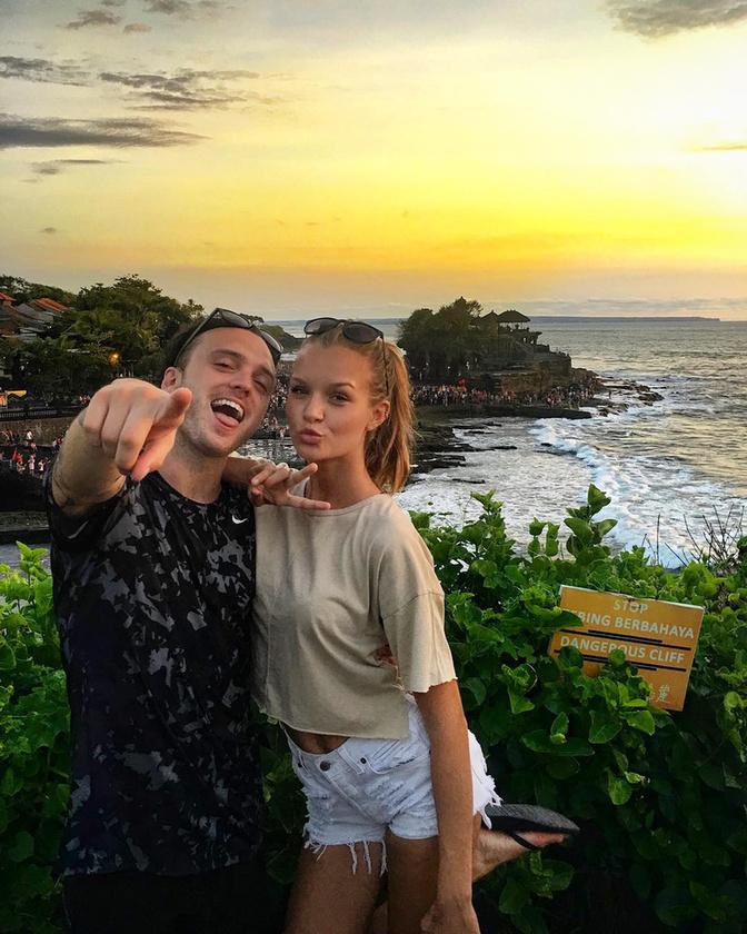 Ez a vidám pár, Josephine Skriver és az énekes-dalszerző Alexander DeLeon, már négy éve járnak.
