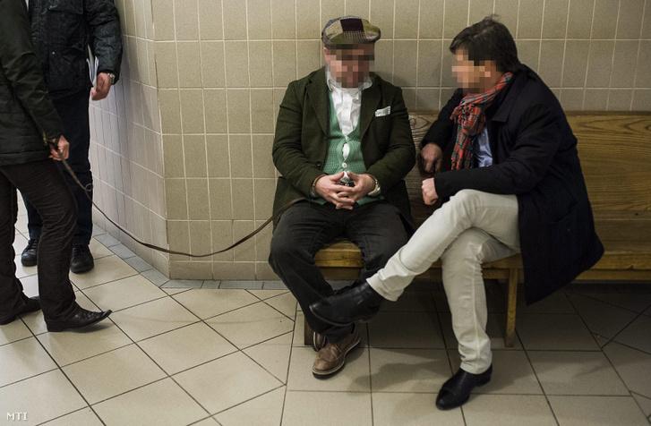 K. Szilárd Miklós Magyarország moszkvai nagykövetségének korábbi mezőgazdasági attaséja (k) a Kecskeméti Járásbíróságon 2014. január 14-én. K. Szilárd Miklós ügyvédje a tárgyalás után azt mondta hogy védencét vesztegetés és hűtlen kezelés bűntettének gyanúja miatt harminc napra előzetes letartóztatásba helyezték.