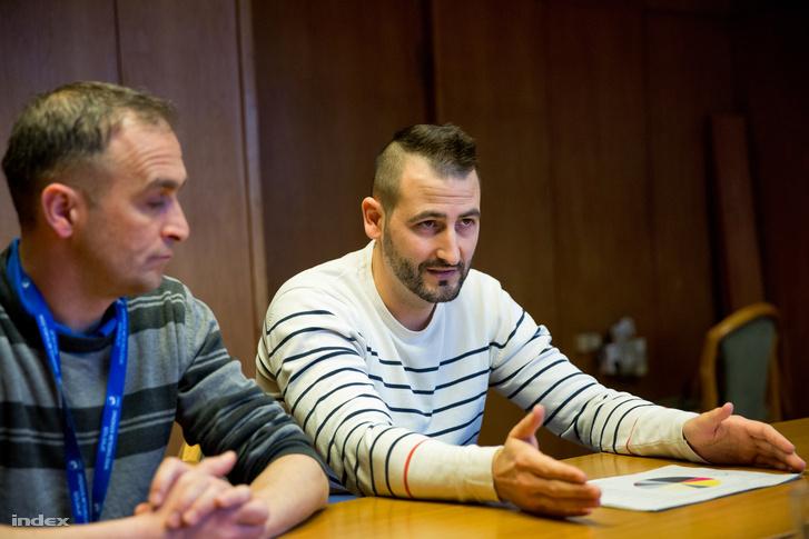 Horváth Gyula meteorológus, a Megfigyelési Főosztály vezetője, Dézsi Viktor a Levegőtisztaság-védelmi Referenciaközpont osztályvezetője