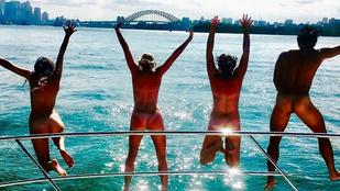 Meztelenül turnézzák végig Ausztráliát ezek a turisták
