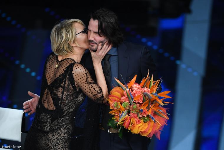 Ezt Keanu Reeves is tudja már, tisztán látszik az arcán