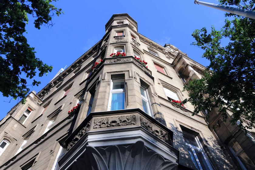 budapest-haz-homlokzat