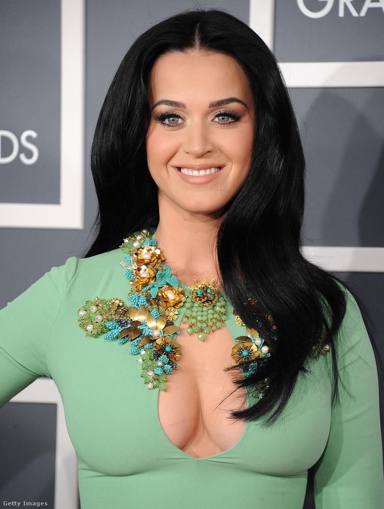 De erről a díjátadóról ugyis mindenki csak Katy Perry dekoltázsára emlékszik.
