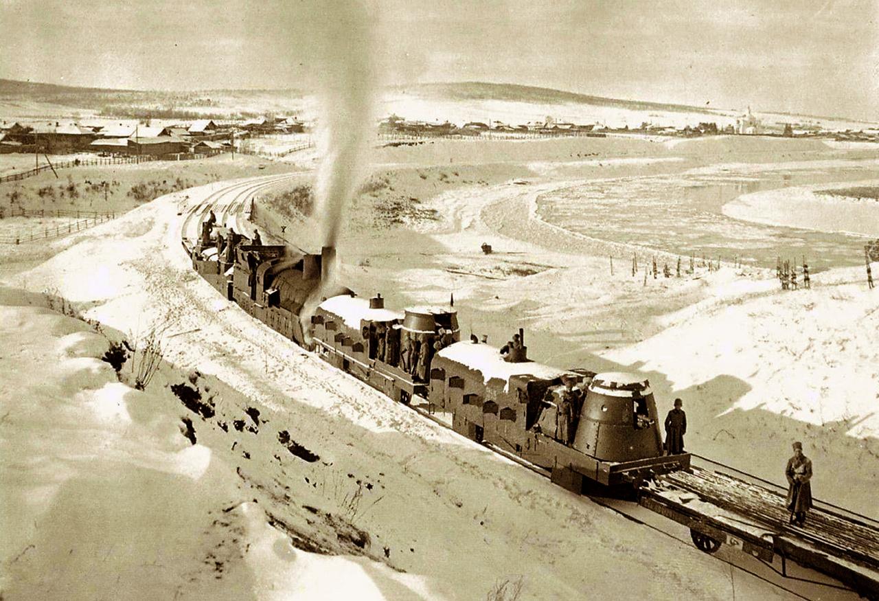 1919: a Zaamurec (a szerelvény végén) Irkutszk közelében, Szibériában