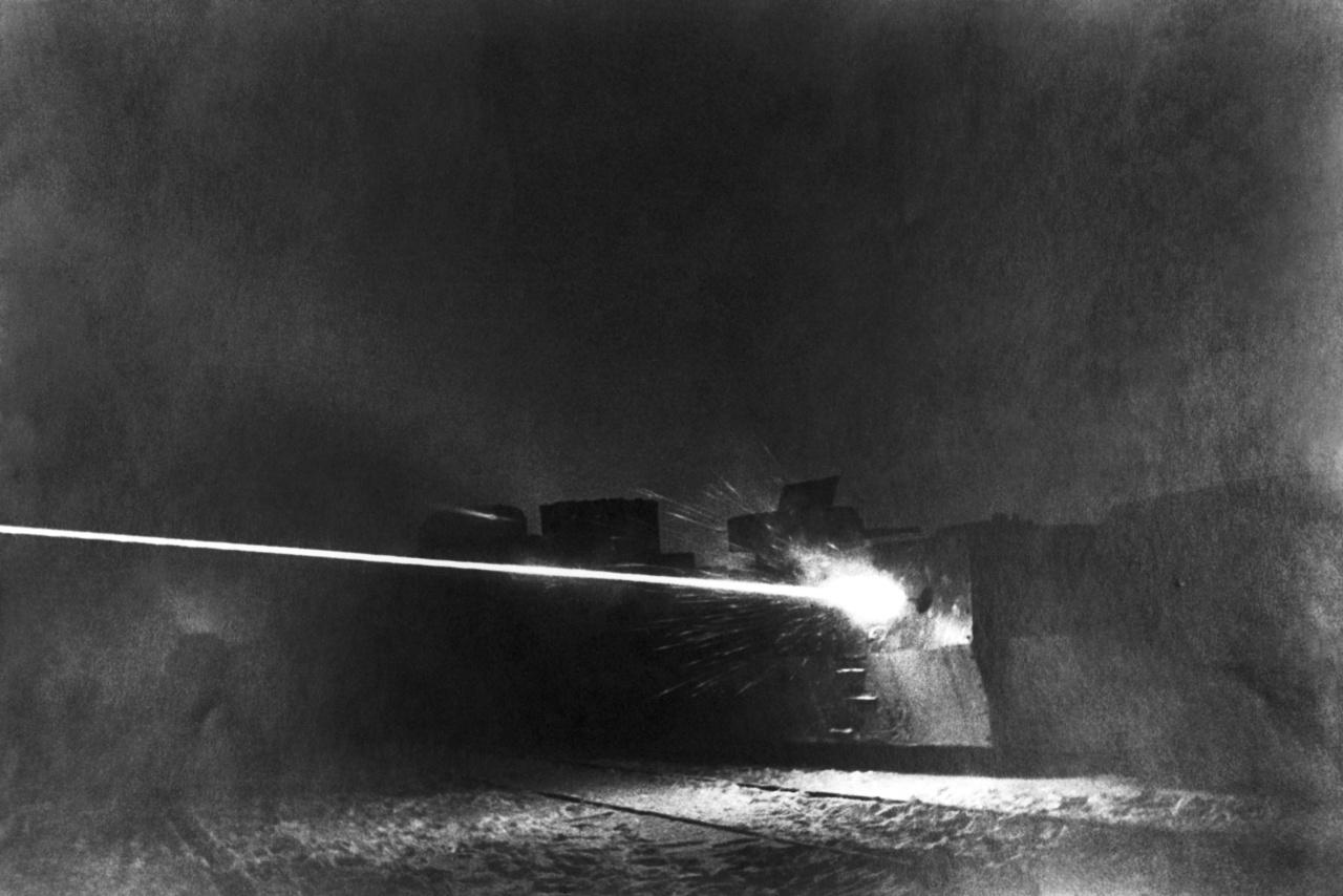 1942: németek ellen harcoló szovjet páncélvonat Moszkva közelében.