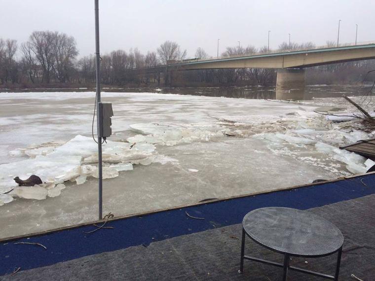 A jeges áradat, ami egyszerre ijesztő és bámulatos, valószínűleg néhány napon belül elvonul