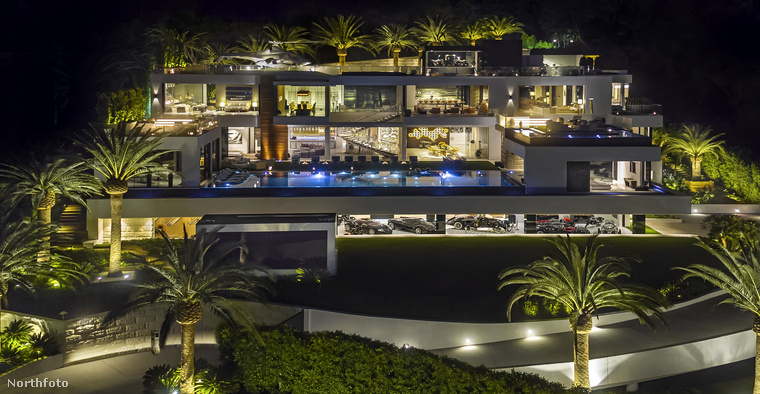 Egy 200 milló dollár értékű házat veszünk most górcső alá, ami Bruce Makowsky ingatlanmágnás kezelésébe tartozik - még