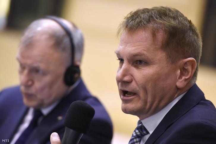 Ónodi-Szûcs Zoltán egészségügyért felelõs államtitkár