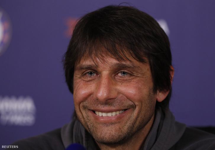 Antonio Conte mosolyában minden benne van