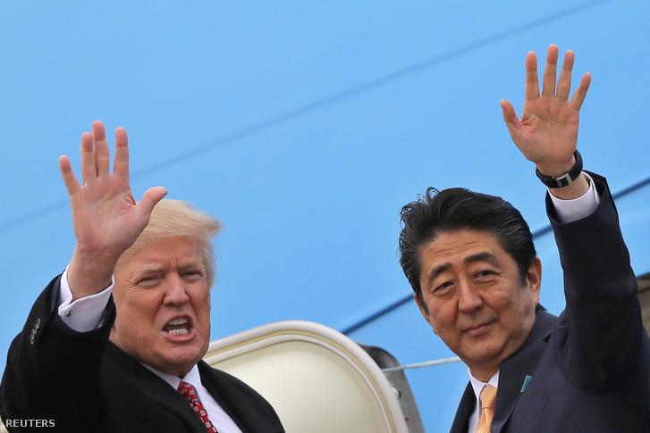 Donald Trump és a japán miniszterelnök, Abe Sinzó 2017. február 10-én