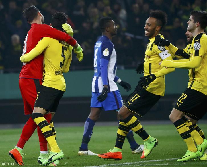A Hertha BSC tizenegyesekkel esett ki a Német Kupából szerdán Dortmundban
