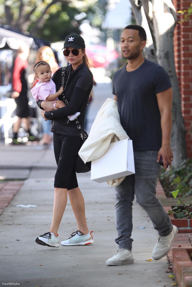 Chrissy Teigen férjével, John Legenddel sétáltatta meg Luna nevű kislányukat a napokban