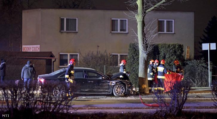 Az összetört kormányfői autó