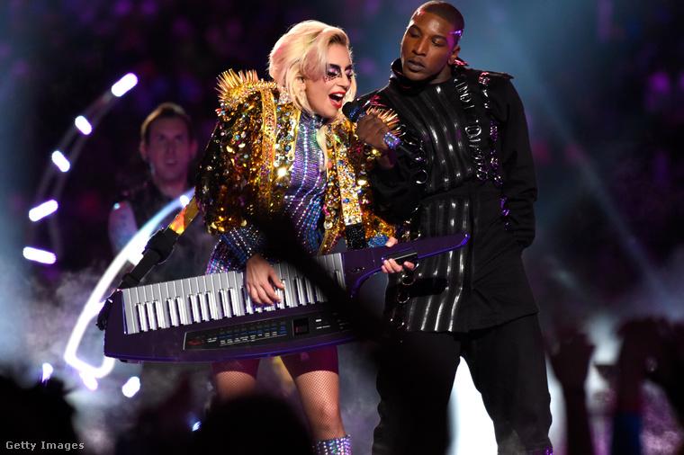 Ahogyan Lady Gaga fellépése is az volt, az idei Super Bowl félidejében.